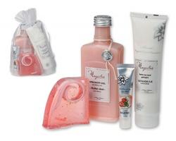 Dárková kosmetická sada Magistra PINK CARE s ovocnou a květinovou vůní, 4 doplňky - růžová
