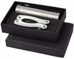 Hliníková svítilna a multifunkční nástroj CARY v dárkové kazetě, 11 funkcí - stříbrná