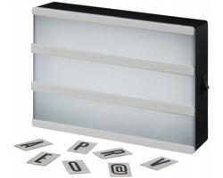 Plastový retro světelný box NIGH s písmeny pro vlastní text - bílá