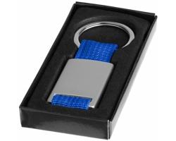 Kovový přívěsek na klíče FLAME s textilní úpravou - stříbrná / královská modrá