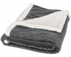 Značková fleecová deka Field & Co Sherpa GLIB s povrchem sherpa - šedá