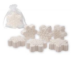 Vánoční mýdlo z bambuckého másla FLAKE SOAP s vůní magnolie, 60 g - bílá