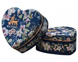 Sypaný černý ochucený čaj RICHARD HEART v plechové krabičce tvaru srdce, 30g - královská modrá
