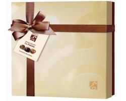 Výběr belgický pralinek z hořké a mléčné čokolády BIG CHOCO MIX v dárkovém balení - béžová