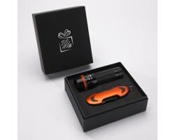 Praktická sada baterky a kapesního nože CRIB v dárkové krabičce - oranžová