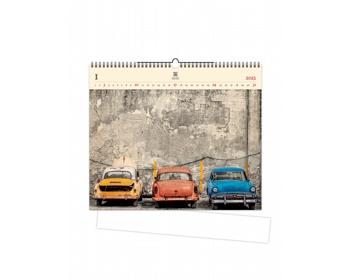 Náhled produktu Luxusní dřevěný nástěnný kalendář Cars 2021