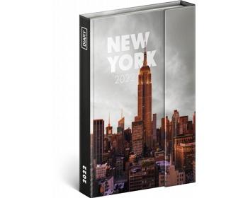 Diář model New York