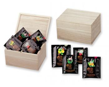 Náhled produktu Sada čajů Biogena v dřevěné krabici CADDY, 4 x 8 ks - přírodní